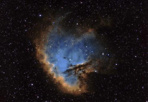 NGC 281 HST Qhy 695A